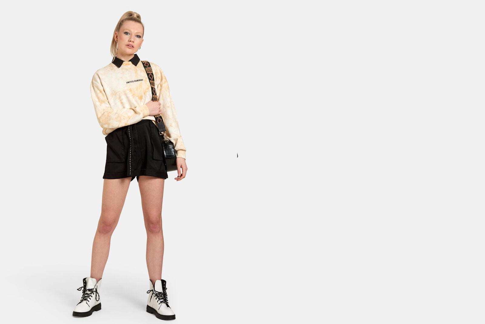 Zipper Short