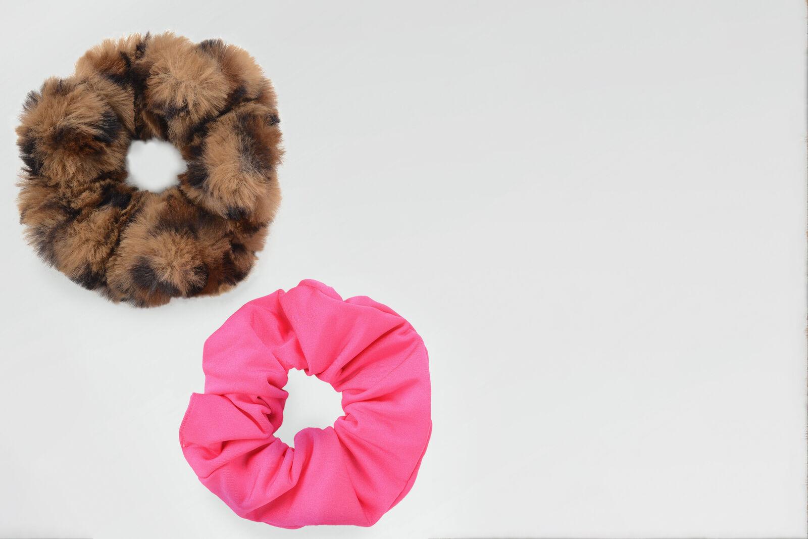 Hally Scrunchie Set by Nicolette van Dam